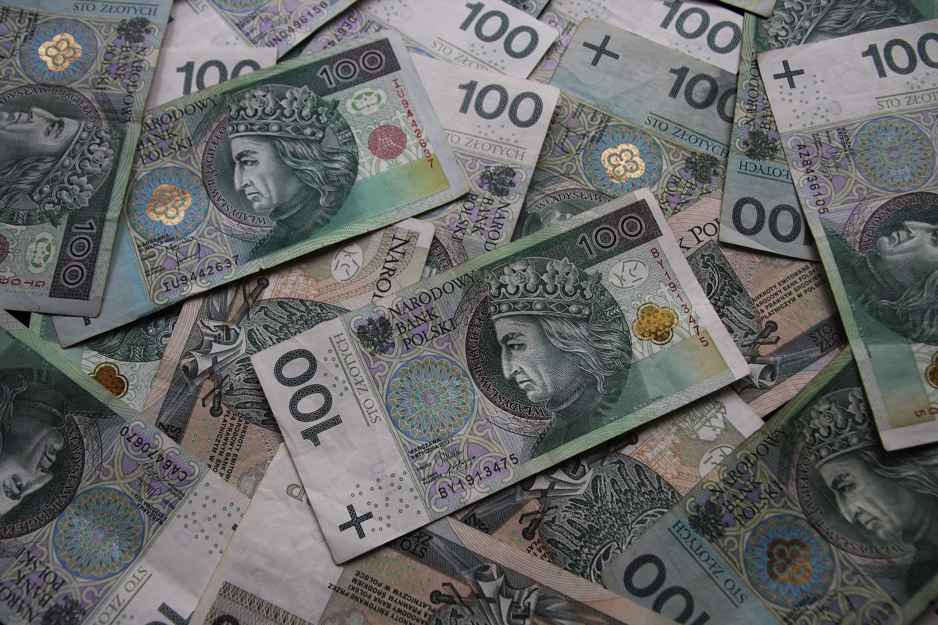 Gotówka natychmiast – jak szybko pożyczyć pieniądze?
