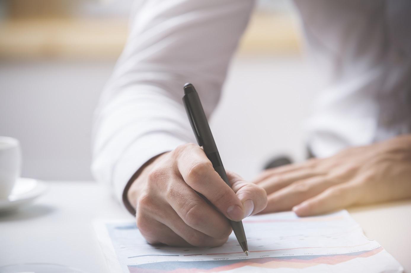 Chwilówka bez weryfikacji – jak instytucje finansowe sprawdzają klientów