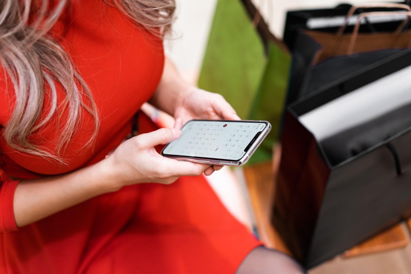 Chwilówki SMS – jak brać pożyczki bez konta w banku